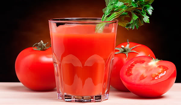 tomato juice greens parsley
